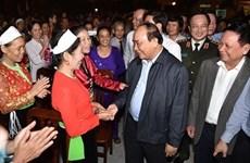 Le PM Nguyên Xuân Phuc à la Fête de grande union nationale à Hoa Binh