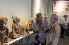 D'anciens objets Cham exposés à Hue