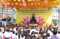 Soc Trang accueille la statue du Bouddha de Jade pour la paix universelle