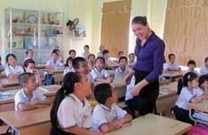 Khanh Hoa: des enseignants étrangers enseignent l'anglais dans les écoles primaires