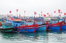 Les pêcheurs chantent l'hymne national avant d'aller à Hoang Sa