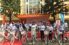 Canon Vietnam soutient des élèves de Bac Ninh et Bac Giang