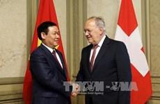 Le vice-Premier ministre Vuong Dinh Hue en visite de travail en Suisse