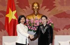 La présidente de l'AN reçoit Mme l'ambassadeur du Canada au Vietnam