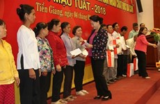 La présidente de l'AN formule ses vœux du Têt à Tien Giang et Ben Tre