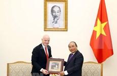 Le Premier ministre Nguyen Xuan Phuc reçoit le président de la FIFA