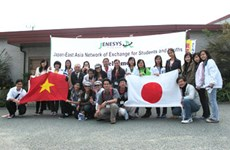 Echange entre jeunes japonais et vietnamiens