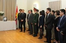 Des amis étrangers rendent hommage à l'ancien PM Phan Van Khai