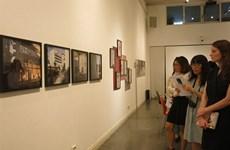 Exposition des œuvres lauréates d'un concours de jeunes photographes allemands