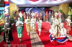 Des étudiants laotiens à Thua Thien-Hue célèbrent la fête Bunpimay