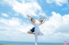 Journée internationale du yoga : 1.200 personnes à Hanoi à une performance collective