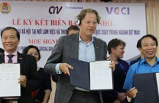 Vietnam – Pays-Bas : promotion du dialogue social dans le secteur du textile