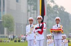 Décès de l'ancien secrétaire général Dô Muoi : les drapeaux en berne, l'hommage de la Nation