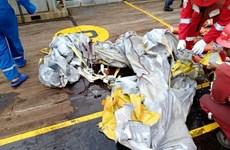 Un BOEING 737  de la compagnie aérienne indonésienne low-cost Lion Air s'écrase dans la mer