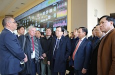 Activités du vice-Premier ministre Trinh Dinh Dung en Russie