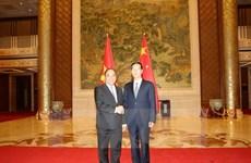 Le Vietnam et la Chine intensifient leurs relations