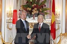 Le chef du Parti rencontre le président de la JICA et le PDG du groupe Nikkei