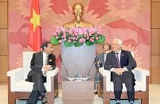 Des parlementaires bangladais à Hanoi