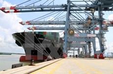 Le cargo de plus grand tonnage accoste dans le port de Son Duong