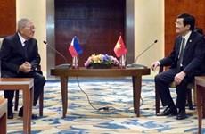 Le président Truong Tan Sang rencontre le président de la Chambre basse des Philippines