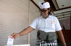 Indonésie: début des premières élections locales simultanées