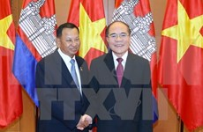 Entretien Nguyen Sinh Hung - Say Chhum