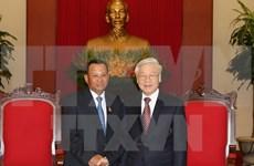 Le président du Sénat cambodgien reçu par des dirigeants vietnamiens
