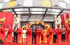 Vingroup inaugure simultanément trois centres commerciaux