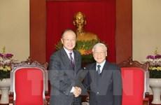 Des dirigeants reçoivent le président de la Banque mondiale