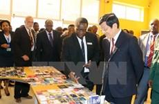 Le président Truong Tan Sang achève sa visite d'Etat en Tanzanie