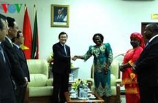 Le président Truong Tan Sang rencontre la présidente du Parlement mozambicain
