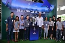 Le trophée de la Ligue des Champions présenté au Vietnam