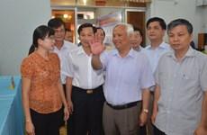 Inspection des préparatifs pour les élections à Bac Lieu et Ca Mau