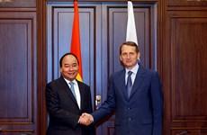 Le Premier ministre Nguyen Xuan Phuc rencontre le président de la Douma d'Etat russe