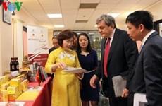 Présentation de produits vietnamiens en Italie