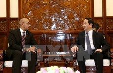 Le président Tran Dai Quang reçoit les ambassadeurs de Cuba et de l'UE