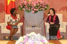 La vice-présidente de l'AN reçoit la directrice de la BM au Vietnam
