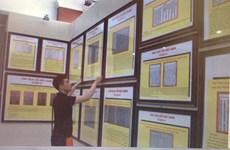 Exposition de cartes et d'archives sur Hoang Sa et Truong Sa à Binh Duong