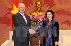 Nguyen Thi Kim Ngan reçoit les ambassadeurs russe, japonais et cubain