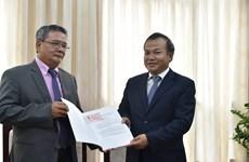 Remise de l'attestation de consul d'honneur du Vietnam en Nouvelle-Calédonie
