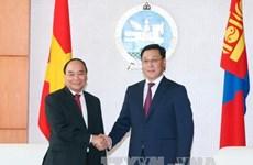 Entretien entre les Premiers ministres vietnamien et mongol