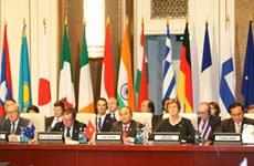 Activités du PM Nguyen Xuan Phuc en marge de l'ASEM 11