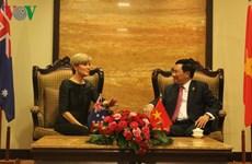 AMM-49: Renforcement des relations diplomatiques entre le Vietnam et des pays