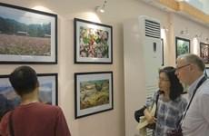 Exposition de photos et Semaine du film sur la beauté du Vietnam en Hongrie