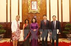 Dang Thi Ngoc Thinh reçoit l'assistant du secrétaire général de l'ONU