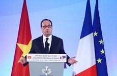 Le président français s'adresse aux étudiants vietnamiens