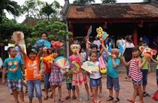 La fête des masques traditionnels en papier mâché