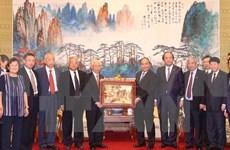 Le PM rencontre des amis chinois ayant soutenu le Vietnam pendant la guerre
