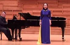 Une professeure vietnamienne deuxième du concours de chant de l'ASEAN