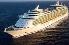 """Le port de Chan May accueille le navire de croisière """"Mariner of the Seas"""""""